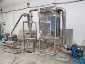 Full-Automatic-Ginger-Powder-Crushing-Making-Machine-with-Dust-Collector