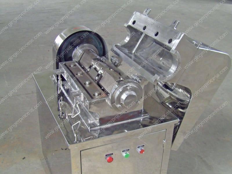 Automatic-Dry-Ginger-Granule-Coarse-Crusher-Machine-Structure